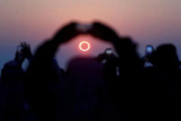eclipse anillo de fuego