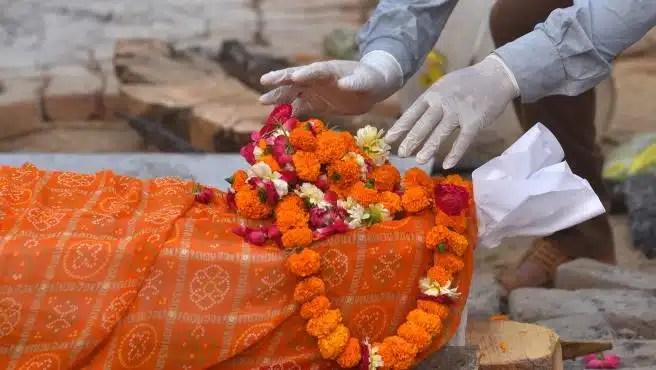 India Rompe Récord de muertes diarias por Covid-19