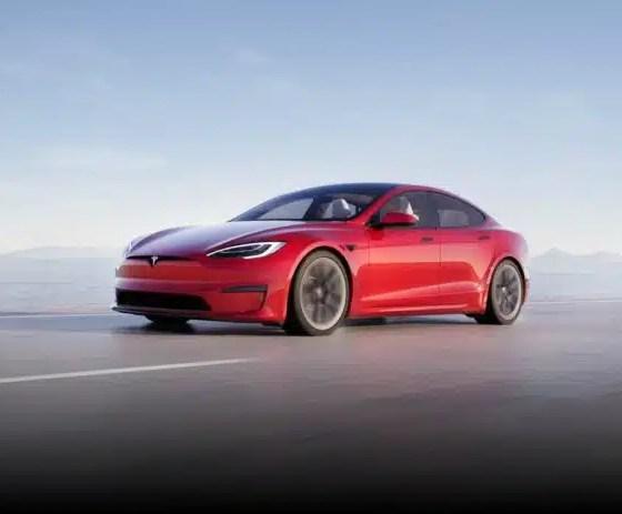 Tesla: vídeo muestra reacciones de pasajeros en el 'coche más rápido del planeta'