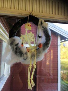 Halloween krans med skelette