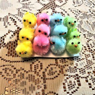 Kycklingar i fyra olika pastellfärger