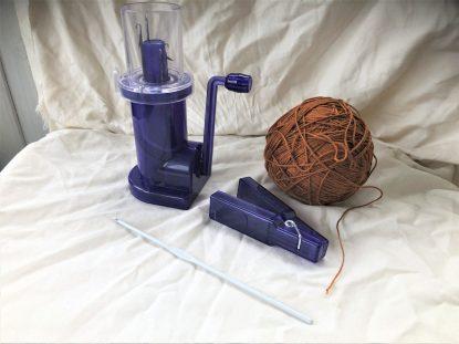 Stickkvarn för fasta snuddar med garn och virknål