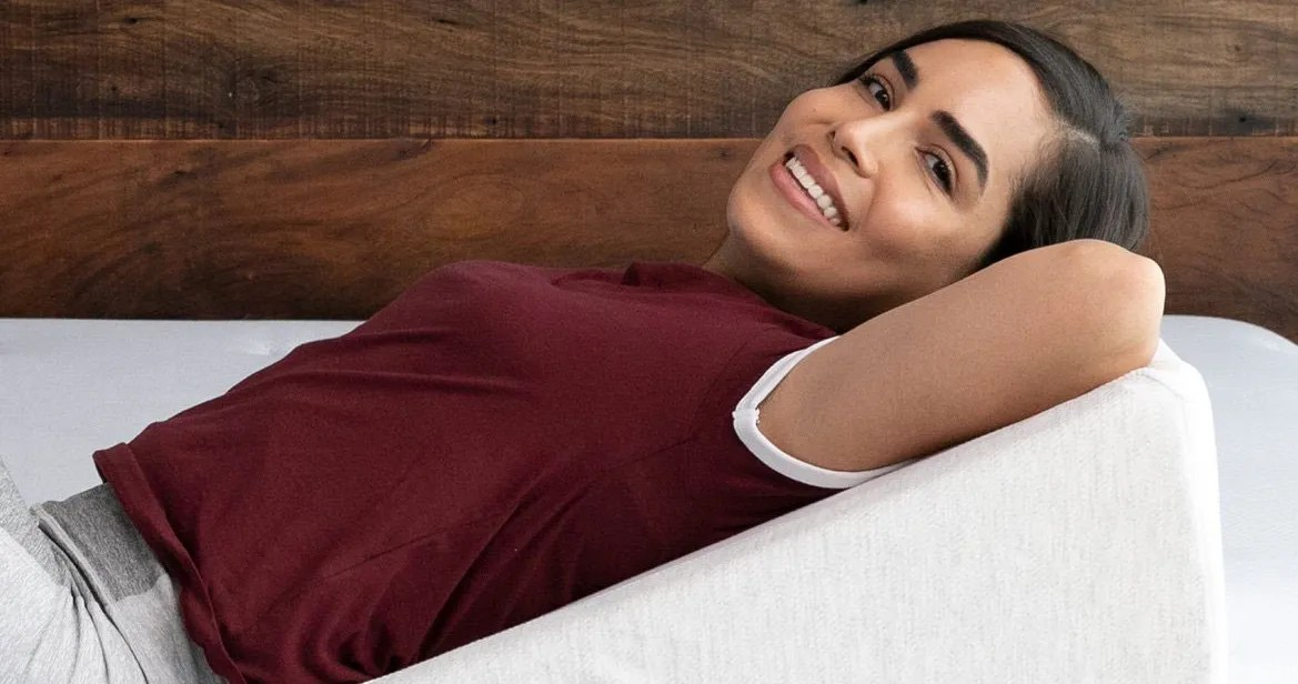the best wedge pillows according to sleep doctors and experts