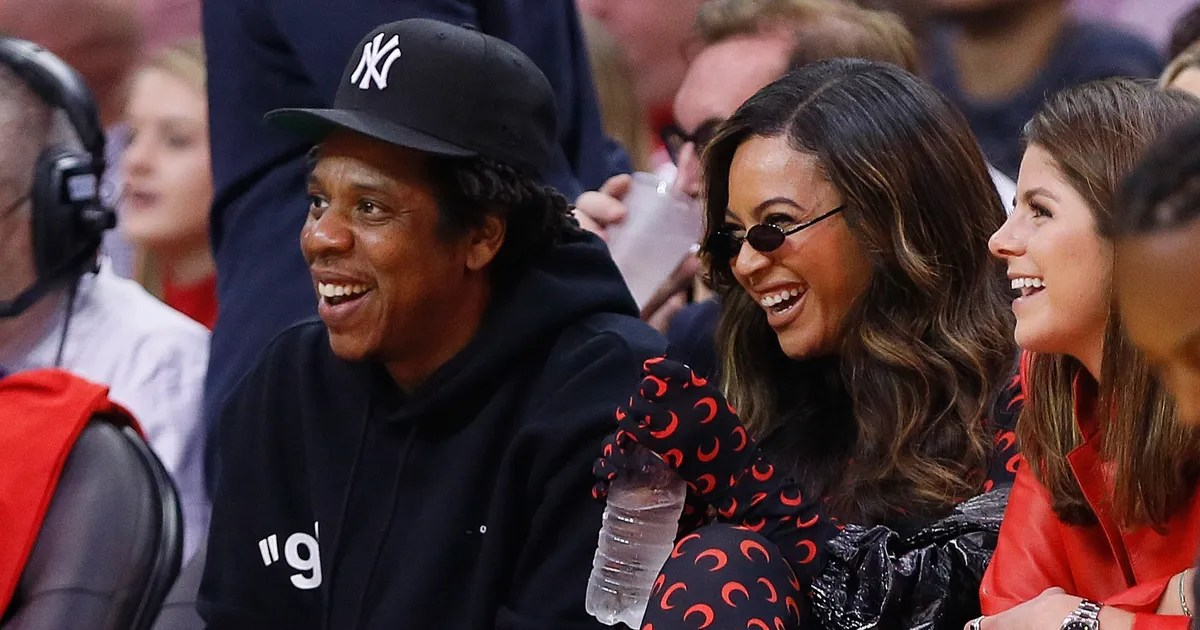 holiday photo shows sir is jay z s mini