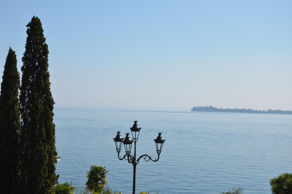 Guesthouse Made In Brazil Gardone Riviera Italy Booking Com