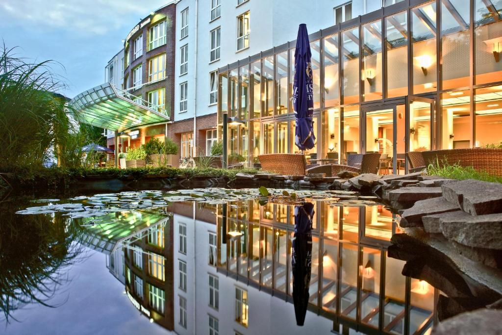 Hotel Courtyard By Marriott Dresden Germany Booking Com