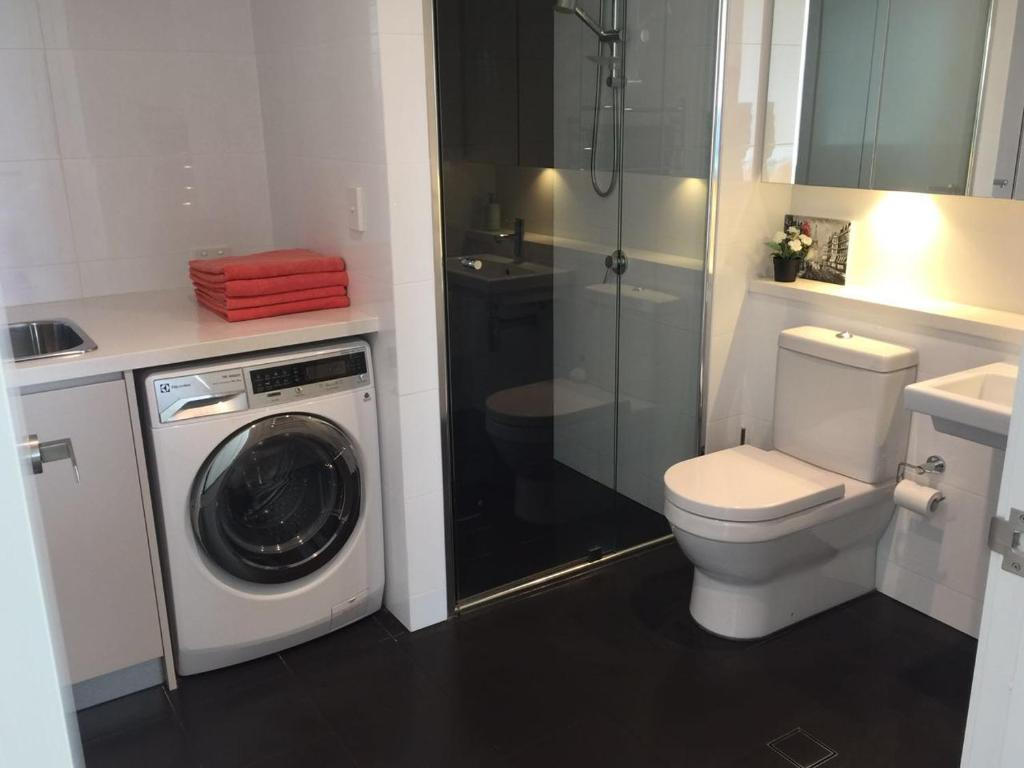 Deluxe Two Bedroom Apartment At Olympic Park Sydney