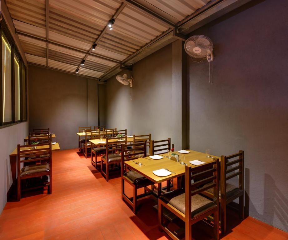 Hotel Shree Sai Kolhapur India Booking Com