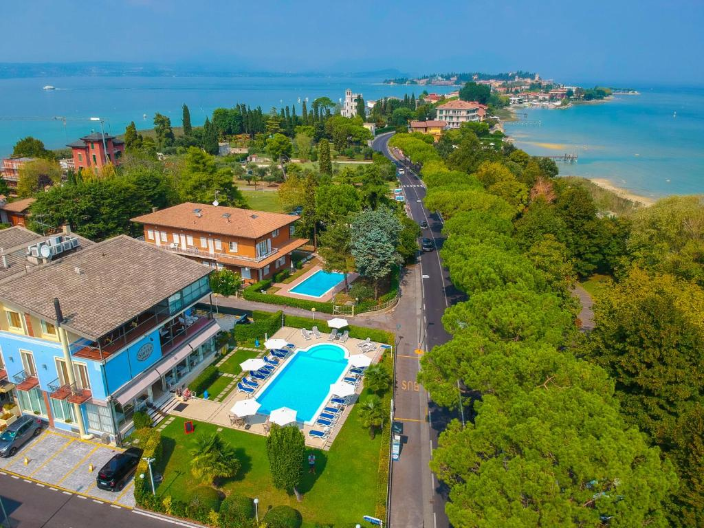 Hotel Suisse Sirmione Italy Booking Com