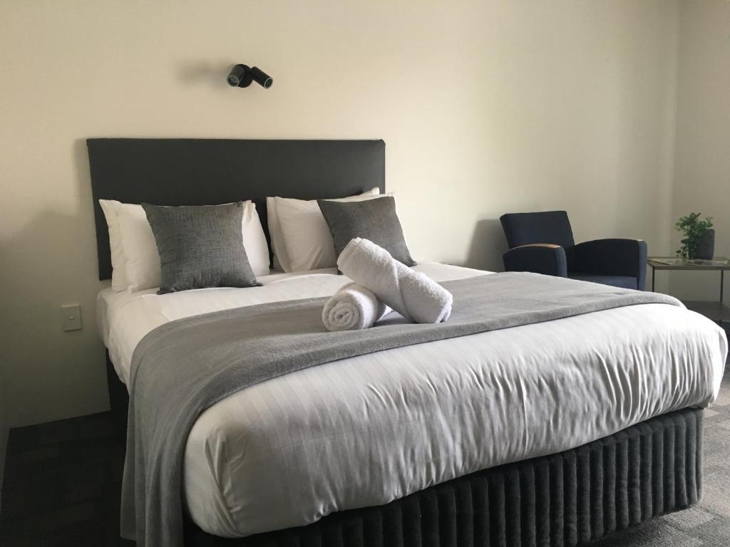 Hotel Clipper Rockingham Australia Booking Com