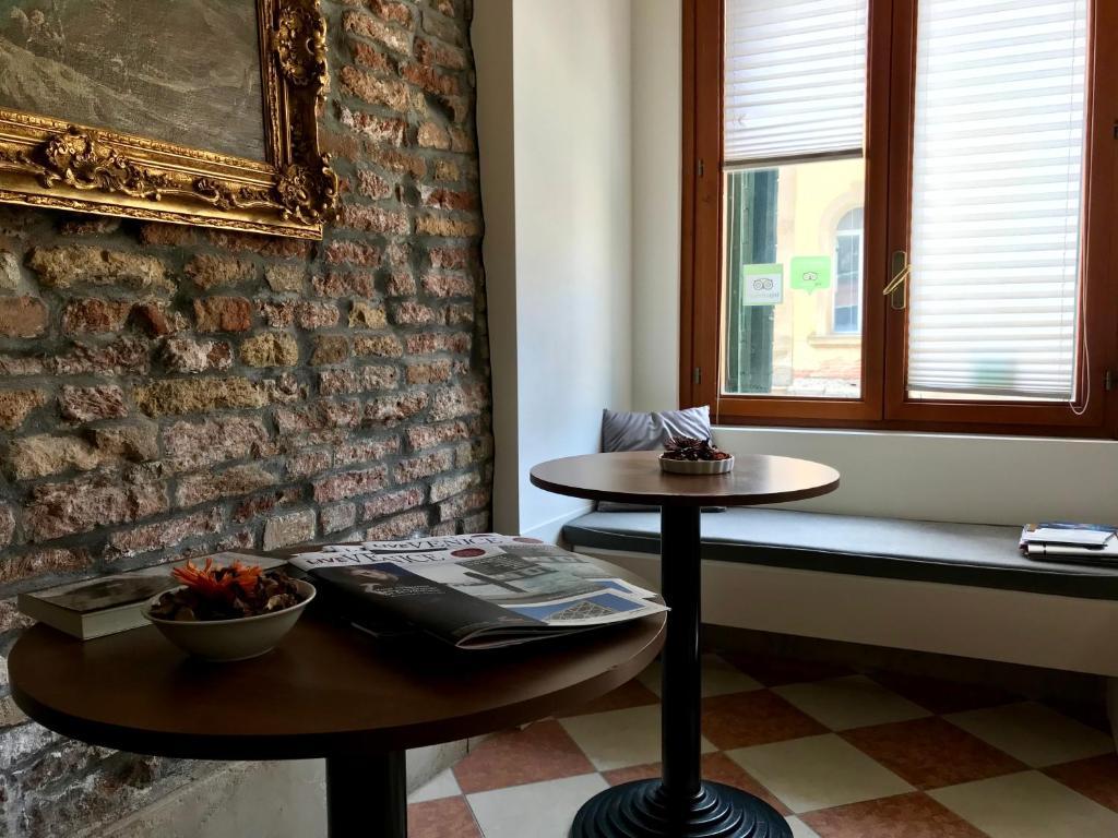 Bed And Breakfast Alla Corte Rossa Venice Italy Booking Com