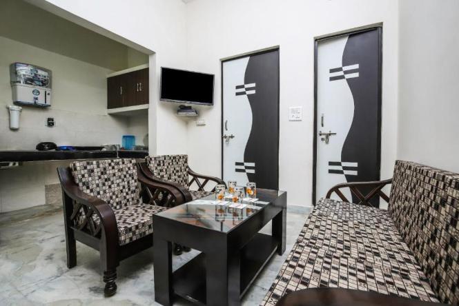 Apartment Cozy 2bhk Home In Rohini Delhi New India