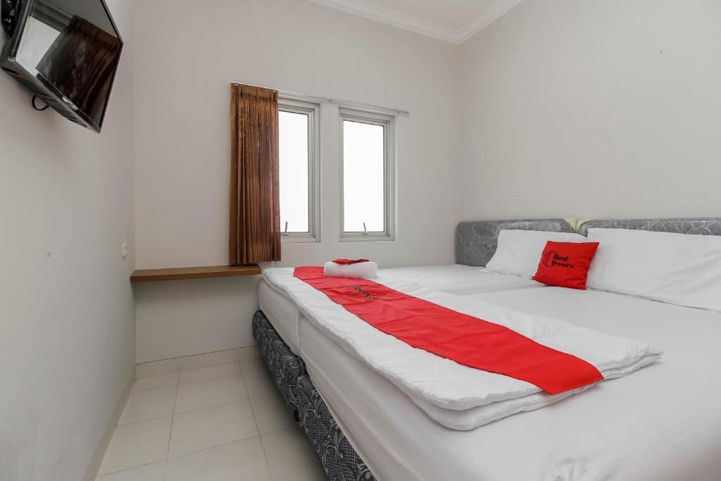 Guesthouse Reddoorz Near Central Park Mall Jakarta
