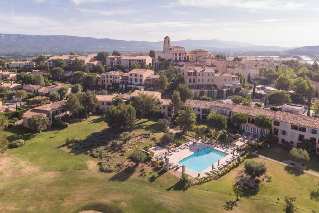 Hotel Du Golf De Pont Royal Mallemort France Booking Com