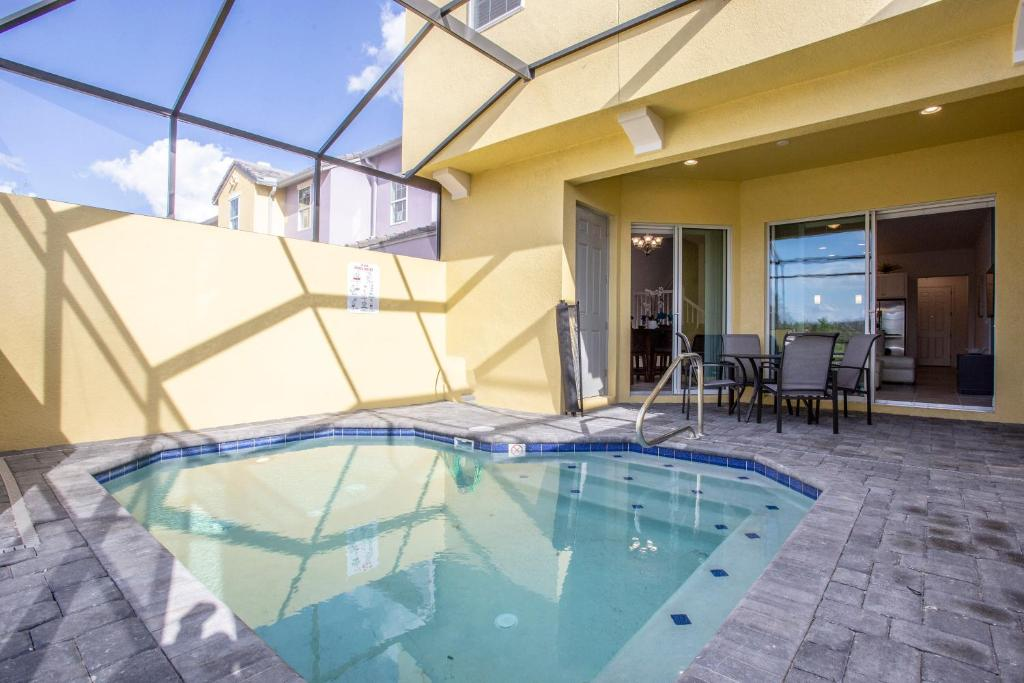Vacation Home Stunning 5 Bd Home W Pool Close To Disney 174