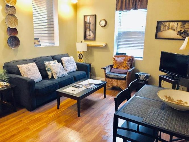 Apartment Old Town Junior One Bedroom 1r Chicago Il