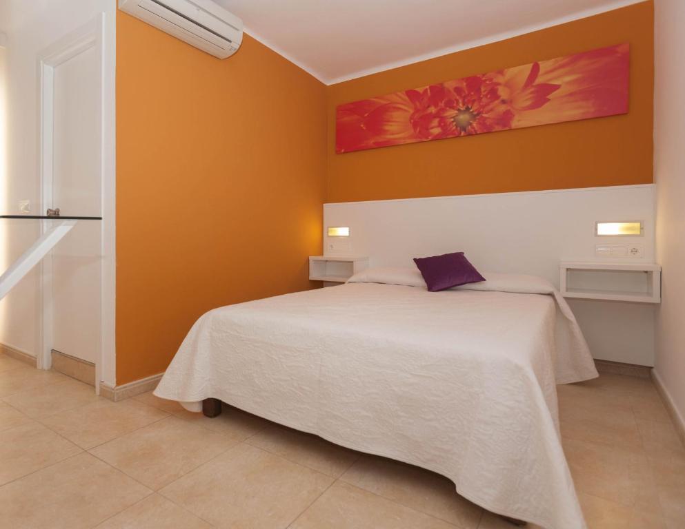 Guesthouse Hostal Costa Blanca Ibiza Town Spain Booking Com