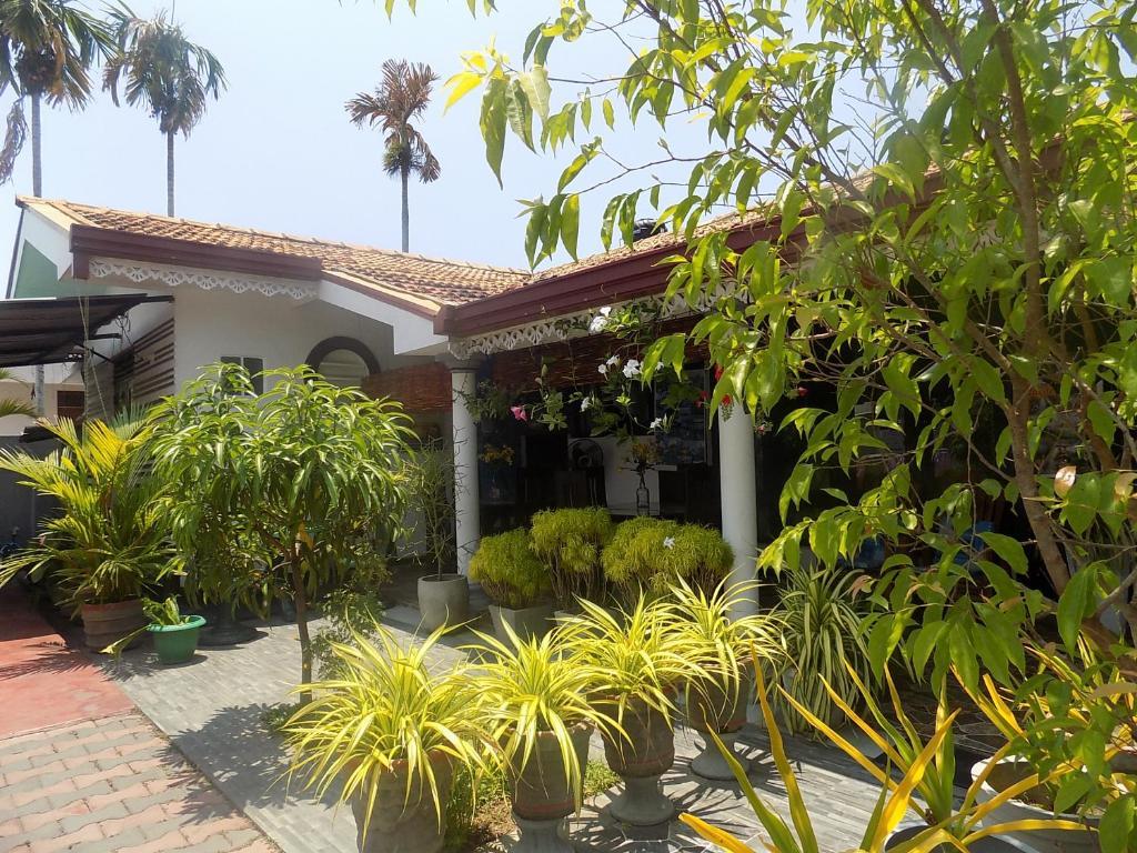 Alexandra Family Villa Negombo Sri Lanka Booking Com