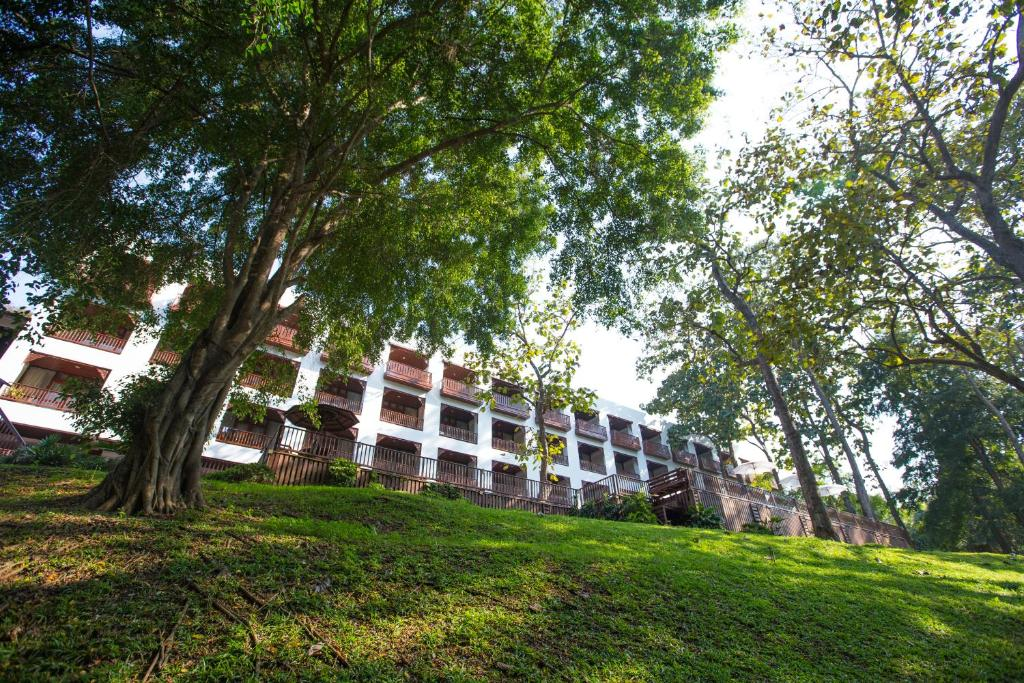 Tara Hotel Mae Hong Son Thailand Booking Com
