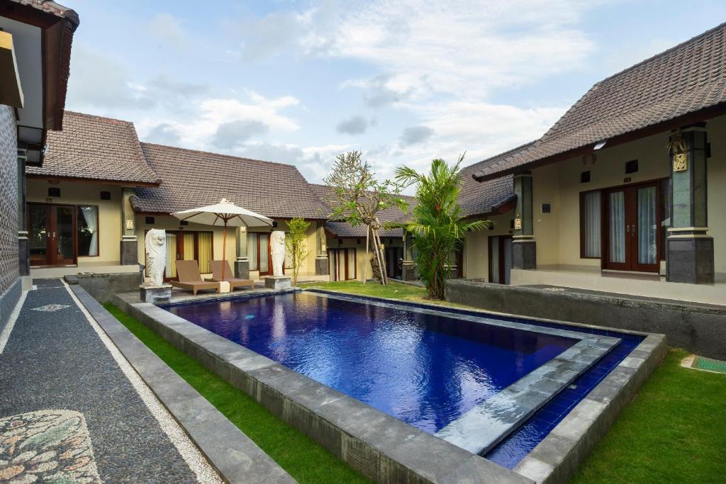 Oyo 828 Lilis Cempaka Mas Residence Canggu Indonesia