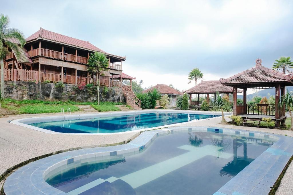 Capital O 892 Grand Pujon View Hotel And Resort Batu