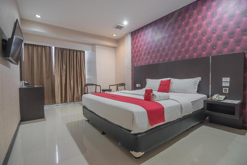 Reddoorz Plus Near Harbour Bay Mall Batam Tanjunguma