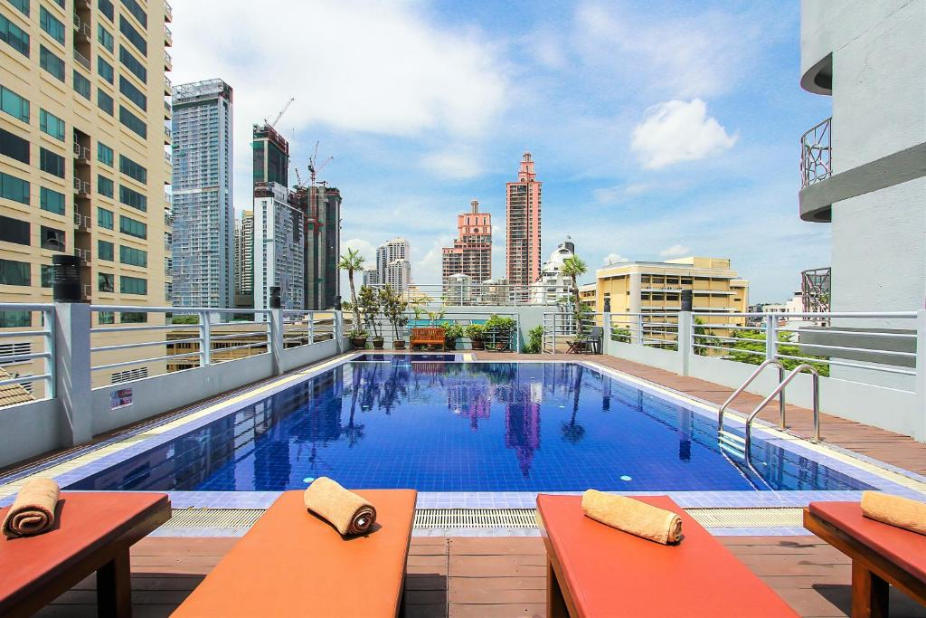 Hotel Bally S Sukhumvit Bangkok Thailand Booking Com