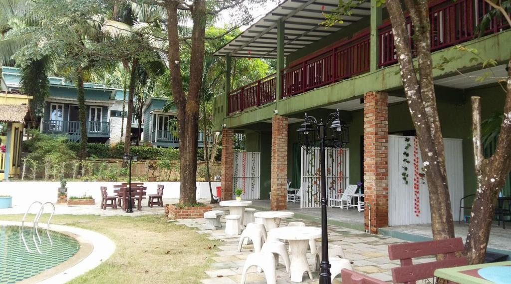 Sunshine Inn Resort Khao Lak Thailand Booking Com
