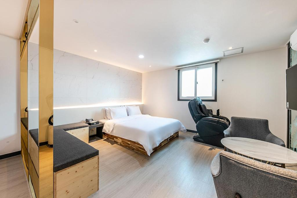 Hotel Yaja Jeonju Bus Terminal South Korea Booking Com
