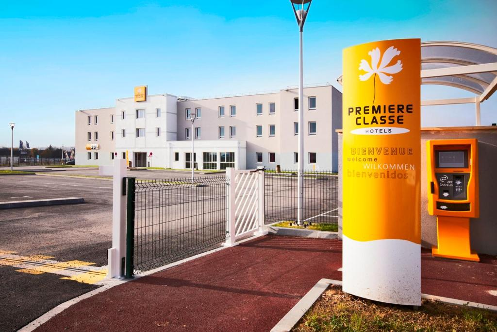 Hotel Premiere Classe Caen Nord Memorial France Booking Com