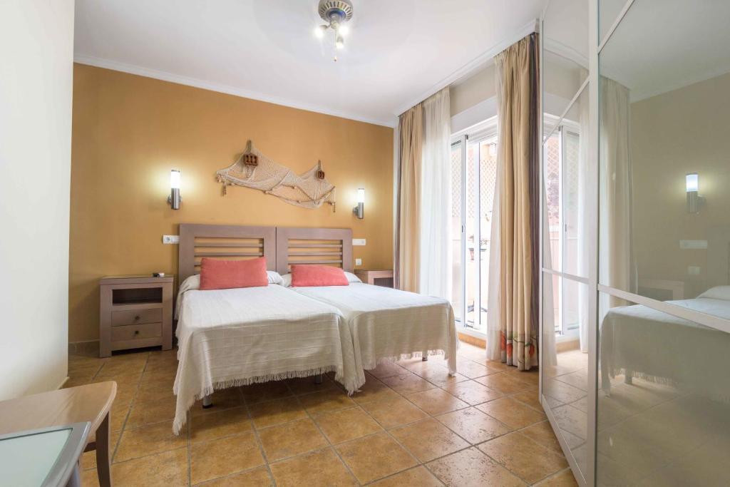 Guesthouse Hostal Costa Luz El Puerto De Santa Maria Spain