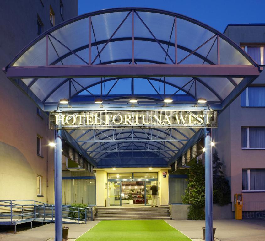 Hotel Fortuna West Prague Czech Republic Booking Com