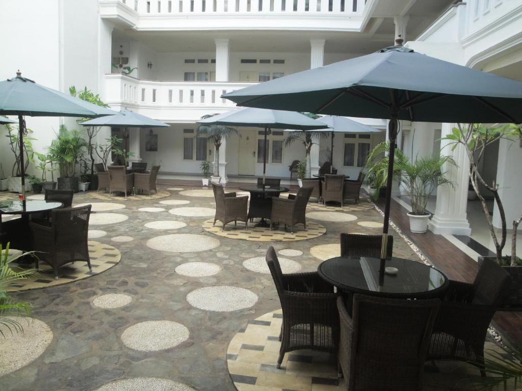 Ramayana Hotel Makassar Booking Com