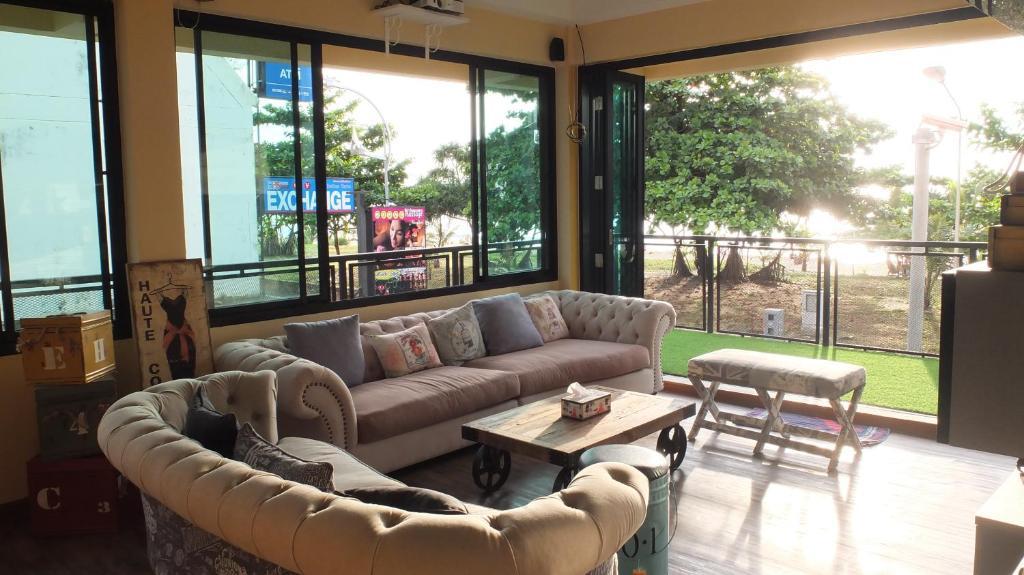Doolay Beachfront Hostel Karon Beach Thailand Booking Com