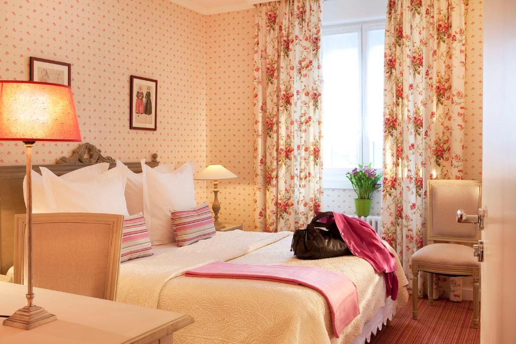 Hotel Gradlon Quimper France Booking Com