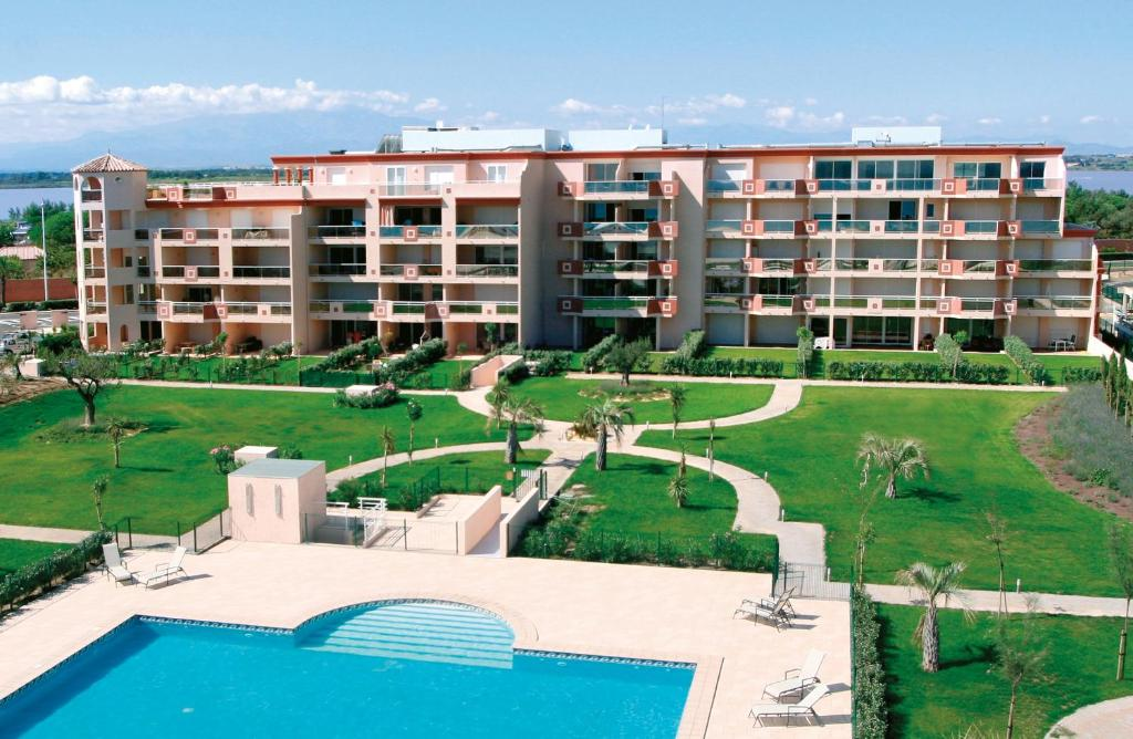 Residence Flamants Roses Canet En Roussillon France