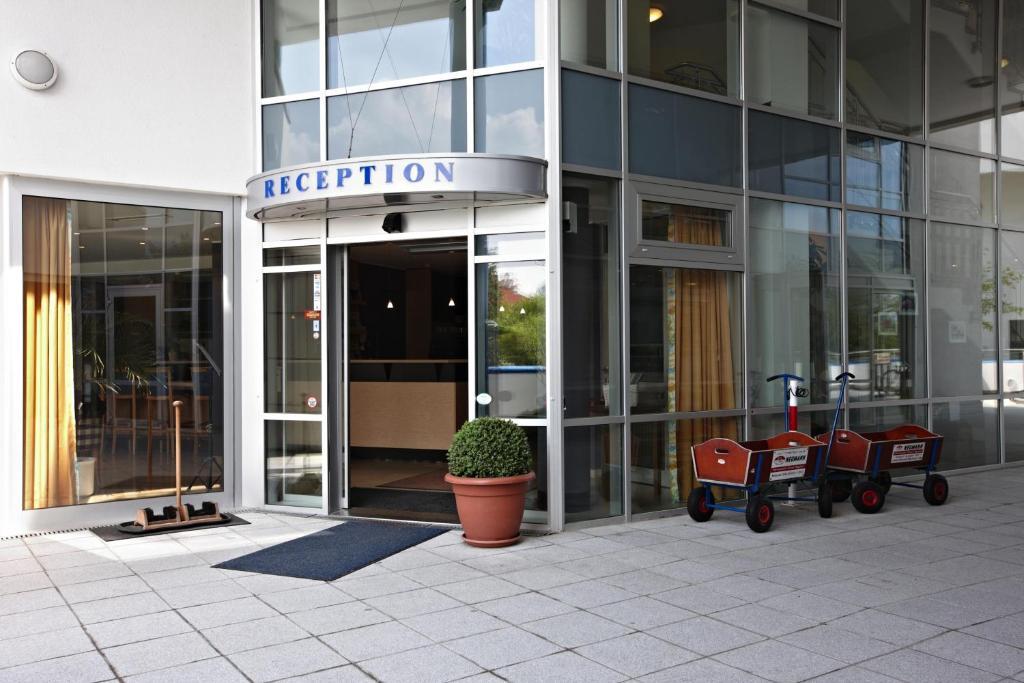 Aparthotel Zingst Germany Booking Com