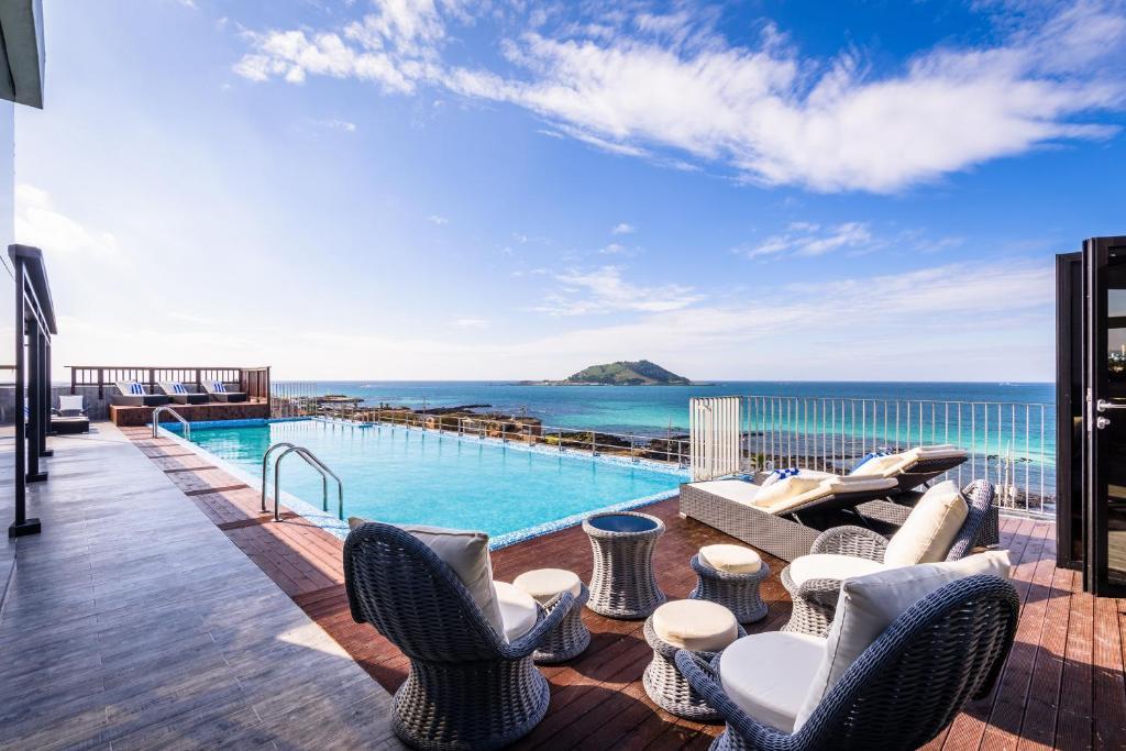 Aguila Hotel Jeju Oceano Suite South Korea Booking Com