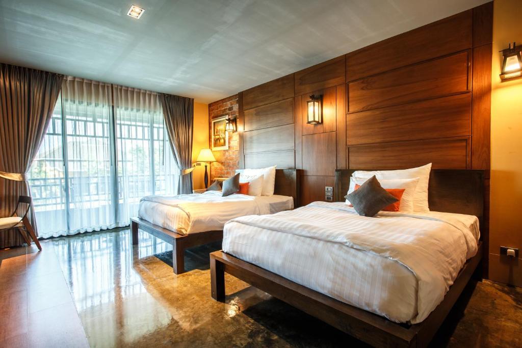 Hotel De L Amour Prakhon Chai Thailand Booking Com