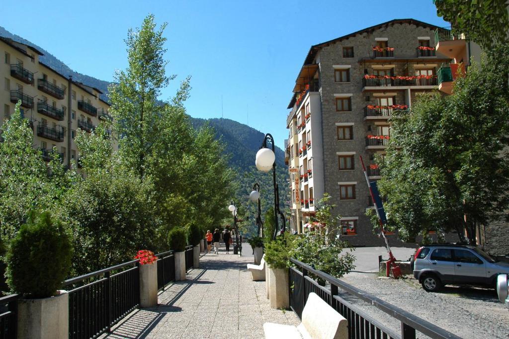 Hotel Univers Encamp Andorra Booking Com