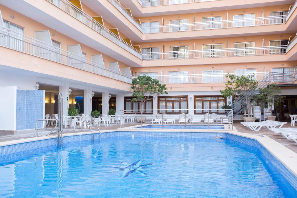 Hotel Pinero Bahia De Palma El Arenal Spain Booking Com