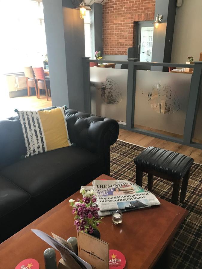 Strawberry Bank Hotel Meriden Uk Booking Com