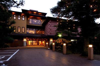 【2021年版】富山県のホテルで記念日を過ごすカップルにおすすめ!特別なホテルランキングTOP15【アクセス良好◎貸切風呂/露天風呂アリ・食事付きも】
