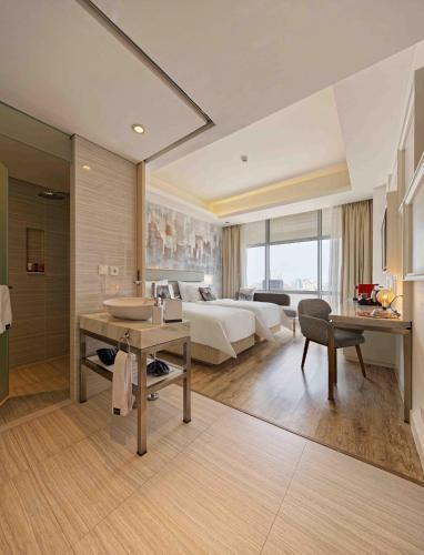 Harris Vertu Hotel Harmoni Jakarta Indonesia Booking Com