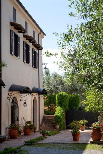 Hotel Il Granaio Dei Casabella Paestum Italy Booking Com