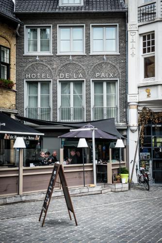 Hotel De La Paix Poperinge Belgium Booking Com
