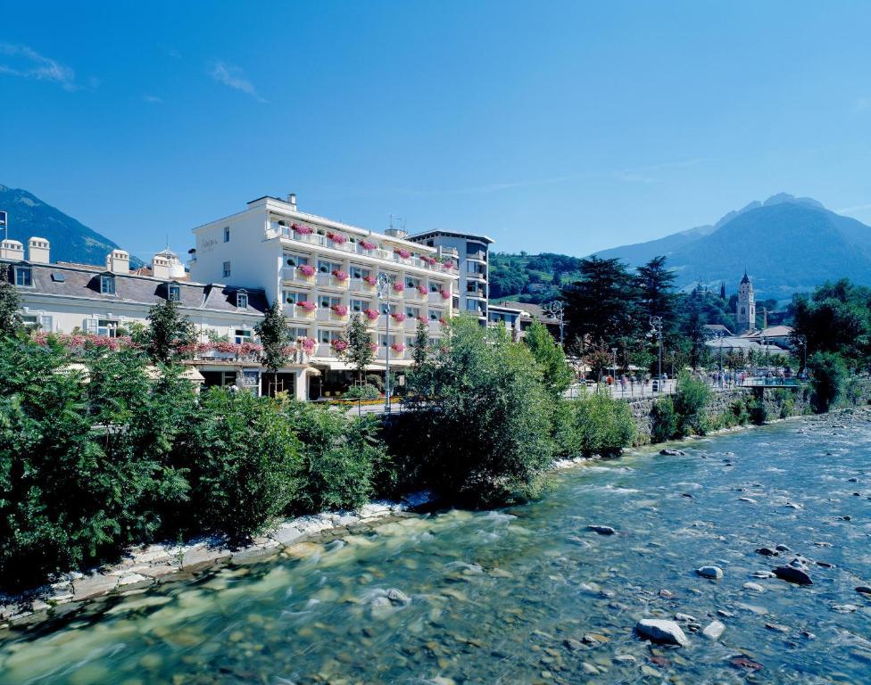 Hotel Aurora  Meran  prenotazione online  ViaMichelin