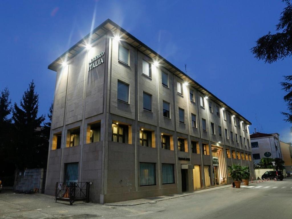 Albergo Italia  Novara  prenotazione online  ViaMichelin