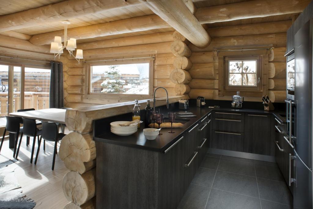 plan de maison 2 chambres salon cuisine