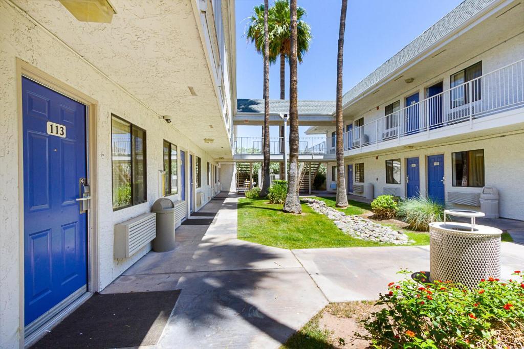 THB Motel 6 Mesa South Hotel in Mesa